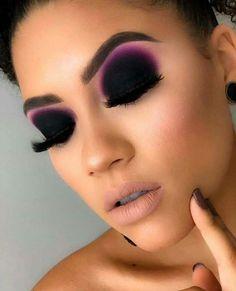 10 Vital Makeup Tips You Need To Be Using – Makeup Mastery Makeup Eye Looks, Dark Makeup, Smokey Eye Makeup, Cute Makeup, Gorgeous Makeup, Glam Makeup, Skin Makeup, Eyeshadow Makeup, Makeup Tips
