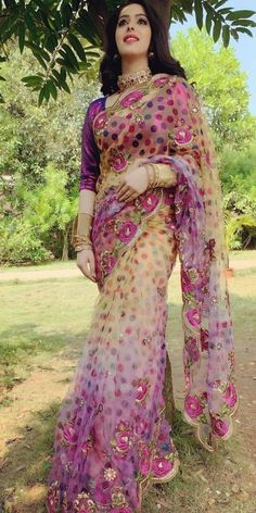 South Film, Seductive Photos, Popular Actresses, Figure Size, Net Saree, Indian Beauty Saree, India Beauty, Kimono Top