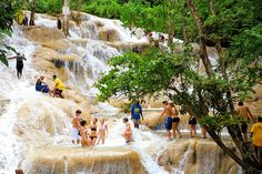 Ocho Rios, Travel Memories, Mount Rushmore, Places To Visit, Mountains, Nature, Vacation, Travel Souvenirs, Naturaleza