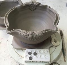 Playing around with the new sprigs and molds made for berry bowl handles. Hand Built Pottery, Thrown Pottery, Slab Pottery, Ceramic Pottery, Pottery Wheel, Ceramic Clay, Ceramic Bowls, Clay Bowl, Pottery Tools