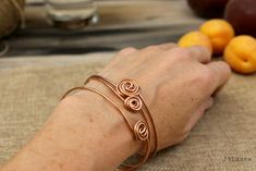 create-a-bracelet-in-metal-wire-in-3-minutes