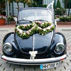 Heart shaped wreath, flowers, wedding, just married car Wedding Car Decorations, Flower Decorations, Floral Wedding, Wedding Flowers, Wisteria Wedding, Just Married Car, Bridal Car, Peonies And Hydrangeas, Wedding Transportation