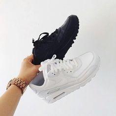 Black & white ⚫⚪