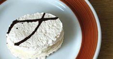 Kluci v akci: Laskonky kokosové. Recept Erhartovy cukrárny Czech Desserts, Meringue Pavlova, Little Cakes, International Recipes, Vanilla Cake, Tea Time, Cookie Recipes, Food And Drink, Sweets