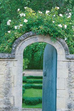dustjacket attic: Gardens   France   Ivy & Roses