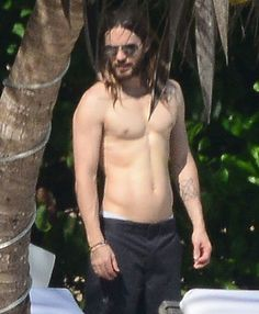 Jared Leto Shirtless After 30-Pound Weight Loss For Dallas Buyer Club - Us Weekly
