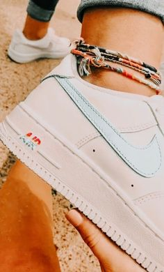 Fitnessübungen Archives Orion Source by leightonjohnson de mujer de moda Nike Air Shoes, Sneakers Nike, White Nike Shoes, Souliers Nike, Aesthetic Shoes, Hype Shoes, Fresh Shoes, Custom Shoes, Shoe Game