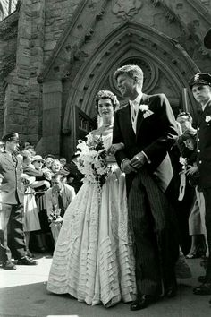 Jacqueline Lee Bouvier and John F. Kennedy in their wedding day on September 12, 1953