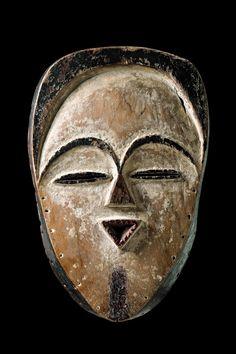 African Masks, African Art, Atelier D Art, Art Premier, Art Africain, Art Auction, Tribal Art, Draw, Artwork