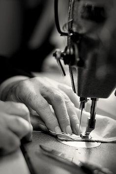 L'atelier de couture d'Alfredo Rodrigues, tailleur rue de Bourgogne à Orléans - France