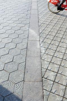 Pavimento Diagonal + Gaudi. BCN.