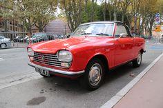 https://flic.kr/p/zZoagf | Peugeot 204 cabriolet | Peugeot 204 cabriolet hier à Toulouse
