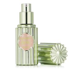 218995 Benefit Dandelion Dew Highlighter QVC Price: £18.56 + P&P: £3.95 This Dandelion Dew highlighter from Benefit has a lighter-than-air liquid texture and melts in for a natural blush look. Give your cheeks a dewy, delicate pink glow with this popular Benefit highlighter.