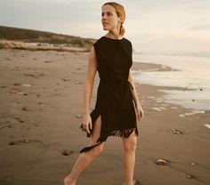 DÔEN NELLCOTE SILK NOIL WRAP in black / wrap dress with fringe on the beach