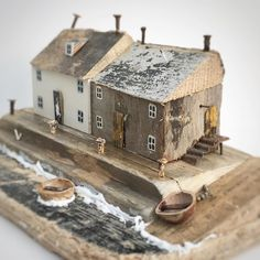 Driftwood Animals and Beach Homes by Kirsty Elson Give New Life to Elements From the Sea (Colossal) Driftwood Projects, Driftwood Art, Driftwood Ideas, Scrap Wood Crafts, Diy And Crafts, Kirsty Elson, Small Wooden House, Wooden Houses, Colossal Art