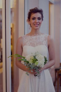 REAL BRIDE { Isabel + Diogo } AUDREY HEPBURN wedding gown from A MODISTA atelier |  This wedding featured in the modern brazilian wedding blog #ANOIVADEBOTAS http://www.anoivadebotas.com.br/isabel-wilker-diogo-almeida-mini-wedding-em-sao-paulo/