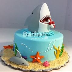 Pasteles de tiburones Toddler Birthday Cakes, Shark Birthday Cakes, 6th Birthday Parties, Navy Birthday, Birthday Ideas, Ocean Party, Shark Party, Fondant Cakes, Cupcake Cakes