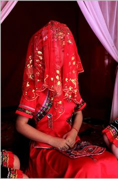 Bride in traditional Chinese wedding