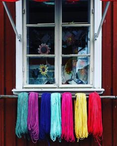 Handicraft shop in Rauma, Finland  More photos on www.vise.pictures  #Rauma #Finland #shopfront #handicraft #colours #colors #original #originalphotography #photography #streetphotography #travel #pictures