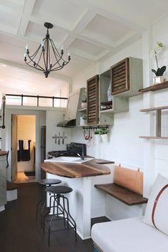 HM: perfect way to have the single dining nook and also have space for other people. could also add an extension to lifts up.