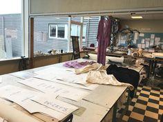 Vanaf patronen tot ongeverfde jurk, blouse, jas, broek etc. Je kan ze zelf verven in de wasmachine naar elk gewenste kleur met Dylon textielverf.