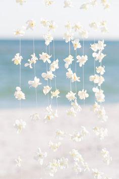 Floral backdrop: http://www.stylemepretty.com/florida-weddings/pensacola/2014/10/28/chic-pensacola-beach-florida-wedding/ | Photography: Cameron Leung - http://www.cameronleung.com/