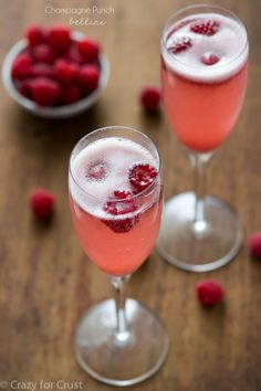 Make a champagne punch bellini for New Years Eve! 3 simple ingredients make this the perfect signature party drink.