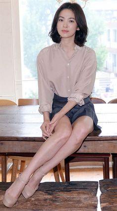 Ha actuado en varios dramas exitosos como son en su repertorio: All In, Autumn Tale, Full House, la cual protagonizo con el reconocido, cantante y actor, Rain, y su tan esperado trabajo The World That They Live In, junto con el actor modelo Hyun Bin, en el 2008; entre otros...