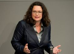 Berliner Zeitung/Politik/ 04.09.2013/ Nahles singt im Bundestag/Wenn Politiker singen ... http://www.berliner-zeitung.de/politik/nahles-singt-im-bundestag-wenn-politiker-singen----,10808018,24207628.html