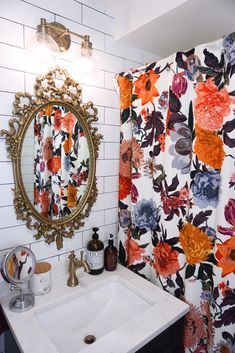Practical Tips for Designing a Small Bathroom - Living After Midnite Eclectic Boho Colorful Small Bathroom Eclectic Bathroom, Bathroom Interior, Small Bathroom, Mirror Bathroom, Guest Bedroom Office, Beautiful Bathrooms, Bathroom Inspiration, Decoration, Just In Case