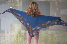 Ravelry: Eddy Wrap pattern by Julia Farwell-Clay Eddie Redmayne Model, Knitting Stitches, Knitting Designs, Shawl Patterns, Stitch Patterns, Bodhi Leaf, Wrap Pattern, Summer Knitting, Clay Design