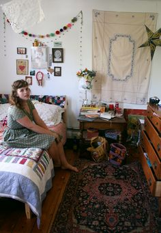 phoebe-bird: this is me in my new room lovely room for inspiration!