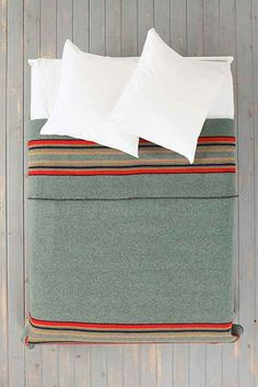 Pendleton Camp Blanket - White sheets.. with the blanket.