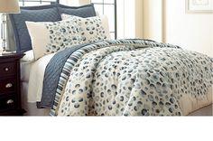 6pc Reversible Comforter Coverlet Liv Set - KING. Starting at $20 on Tophatter.com!