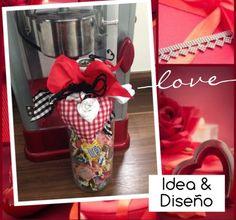 Botella decorada con amor.