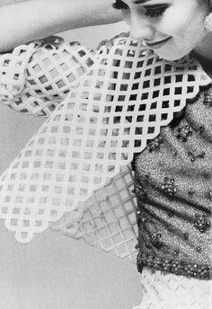 Photo by Guy Bourdin, 1966.