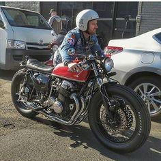 Simple but beautiful Honda CB750