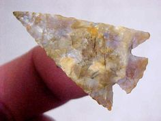 EXCEPTIONAL OREGON COLUMBIA PLATEAU POINT. [A very fine example of flintknapping, est. 2000 B.P.]