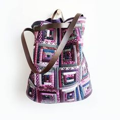 Logcabin big shoulder bag. Patchwork Bag DIY Kit #퀼트앤돌디자인 #애나스튜디오 #가방디자인#작품판매 #주문제작 #애나백 #퀼트#퀼트가방 #퀼트가방패키지 #로그캐빈 #quiltndolldesign #annastudio #bagdesign #ordermade #annabag #quilt #handquilting #patchworkbag #handwork #logcabinblock #logcabinquilt #patchworkbag