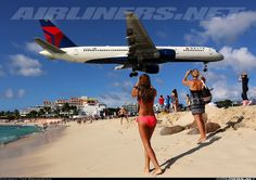 Aviation Photo Boeing - Delta Air Lines American Bikini, Domestic Airlines, Commercial Aircraft, Aircraft Pictures, Black Sea, Air Show, Air Lines, Surfing, Beach