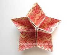 Origami Kusudama Star Use for table centrepiece or fill wiht baked lollies to give & wrap up, deco for xmas tree Origami Yoda, Origami Dragon, Origami Fish, Fabric Origami, Paper Crafts Origami, Diy Origami, Origami Wreath, Oragami, Origami Flowers Tutorial