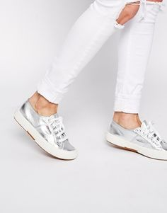 Silver Superga. Knew we wouldn't get down the King's Rd without shopping. Lightning-speed purchase after wine.