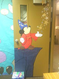 Disney's Mickey Mouse Classroom Door Decoration Idea - New Deko Sites Mickey Mouse Classroom, Disney Classroom, Classroom Door, Preschool Classroom, Infant Classroom, Disney Theme, Disney Mickey, Disney List, Disney Ideas