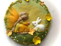 Filz-Wollbild Elfe und Hase.Gefilzt.