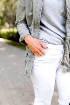 Gray and white for Fall, with a military jacket https://hisugarplum.com/fall-transitional-style-gray-white/