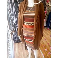 Boyfriend length dress dresses down with a brown fringe sweater ♡ #threadsclothingexchange #threads #Roseville #fashion #boyfriendlengthdress #aztecprint #fringesweater #outfit #springready #springoutfit #simpleoutfitidea  #simple ootd