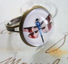 Bronze Dragonfly Ring - Steampunk Cabochon Natural History. £5.00, via Etsy.