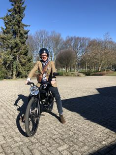 Motorcycle Photography, Saint Tropez, High Level, Milan, Bike, Bicycle, Bicycles