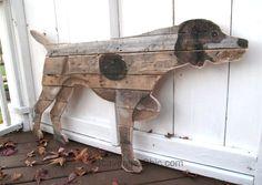 mur Pallet art de chien de bois, par Scavenger Chic, présenté sur Interiors Junk Funky