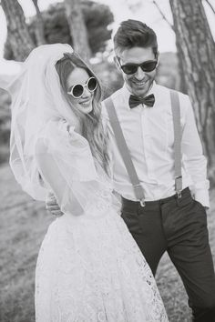 70's Bride and groom Inspiration wedding shooting. Black and white inspiration.